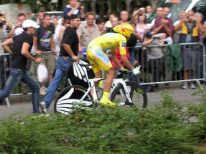 Alberto Contador heading to the start of the time trial